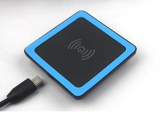 小米MIX 2S采用陶瓷背板 或推出紫米无线充电器
