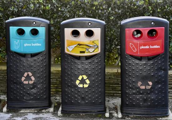 这种塑料源自可再生油,性能高,还可完全闭环回收!