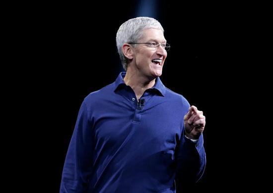 短短5个月,苹果市值突破2万亿美元,它切了谁的蛋糕?