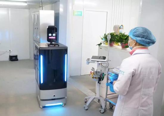 猎豹移动智能服务机器人 | 和讯网