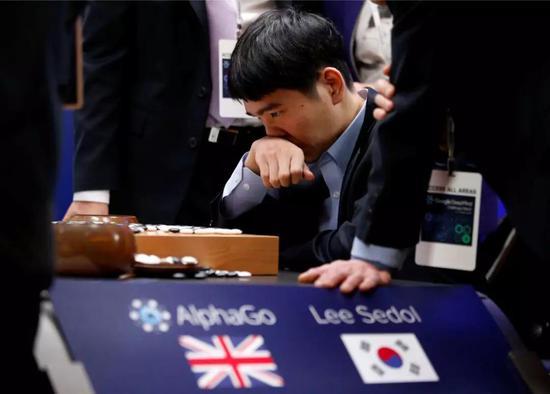 当地时间2016年3月15日,韩国首尔,人机大战第5局,李世石1-4谷歌AlphaGo。?#35745;?#26469;源?#21644;?#34411;创意