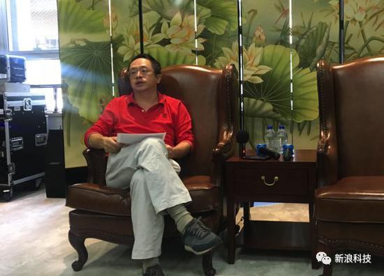 ▲周鸿祎接受新浪科技采访