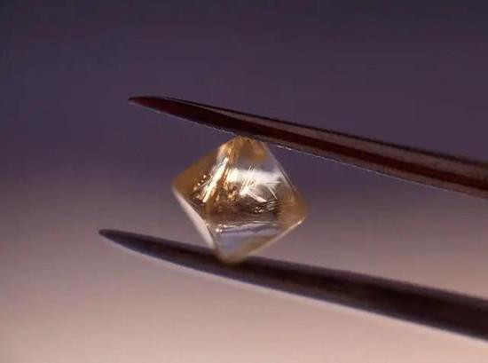 图|用钻石封装放射性物质