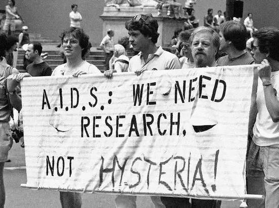 图11。由艾滋病所引发的社会问题可能超过其科学问题