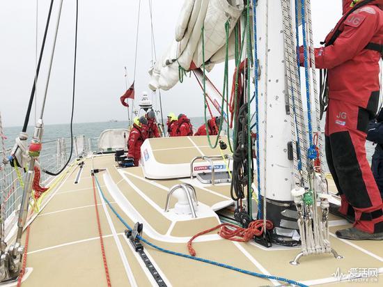 直面4万海里惊涛骇浪 克利伯帆船赛选手用什么笔记本