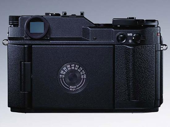 看背面你会以为这是一款数码相机吗?