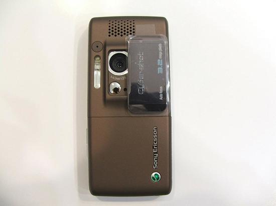 索尼爱立信K790第一款氙气闪光灯手机