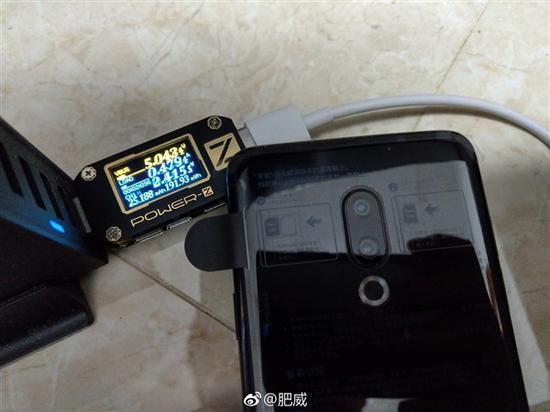 如果使用USB PD充电头,功率也不到10W。