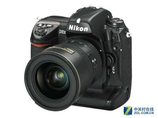 尼康D2X首次将Wi-Fi引入到相机上,可惜实现传输的成本过高,无法普及