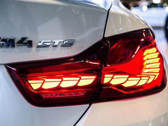 宝马M4 GTS(F82)的OLED尾灯(图源:BMWBLOG)