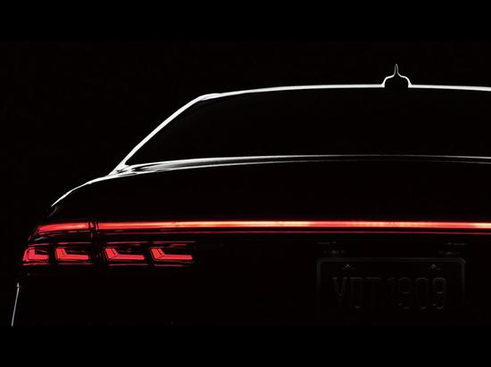 2019款奥迪A8的OLED尾灯(图源:Audi)