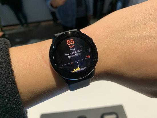 三星Galaxy Watch Active支?#36136;?#26102;心率监测