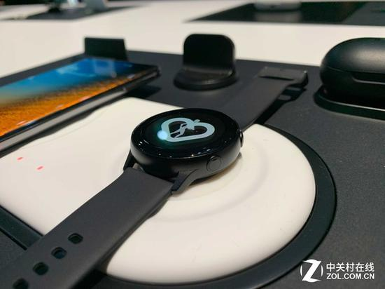 Galaxy Watch Active支持无线充电