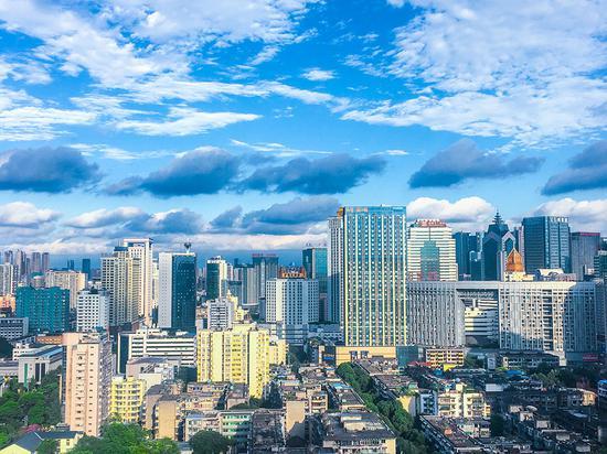 my娱乐平台黑不黑·华为轮值董事长胡厚崑:2025年超85%企业应用上云