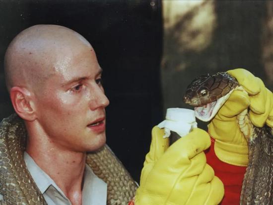 科学真爱:当研究水蛭的科学家对水蛭过敏……