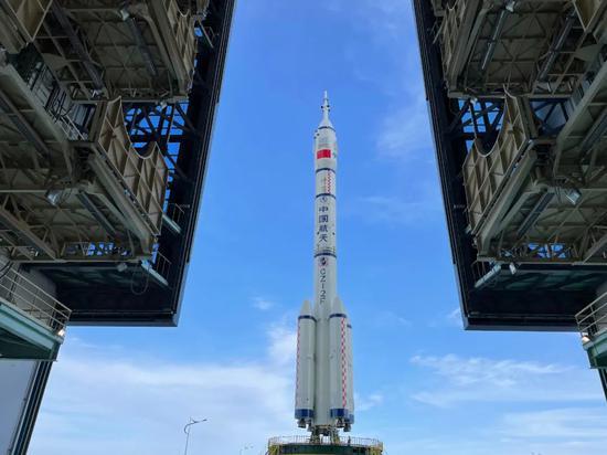 """""""双12""""垂直转运,中国航天员5年后又将飞天"""