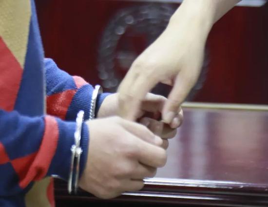 """bet亚洲娱乐场赌场-海清姚晨当众""""卖惨"""",中年女演员的处境真有这么艰难吗?"""
