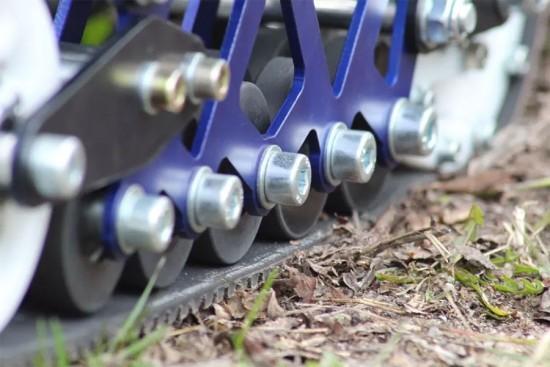 帅炸了!电动全地形轮滑鞋:续航20公里