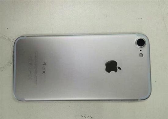 iPhone 7原型机谍照再曝光:摄像头很大