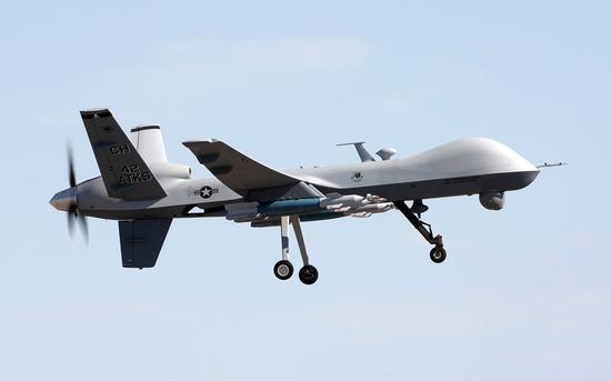 所以军方需要远距离遥控无人机进入战场
