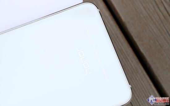 双面玻璃领衔手机新时尚 荣耀8评测