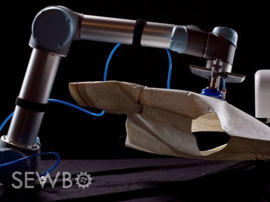 世界首个自动化制衣系统Sewbo:让硬纸板秒变<a href='http://www.100ec.cn/zt/fzh/' target='_blank'>T恤</a> | 新智造