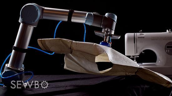 机器人缝衣服