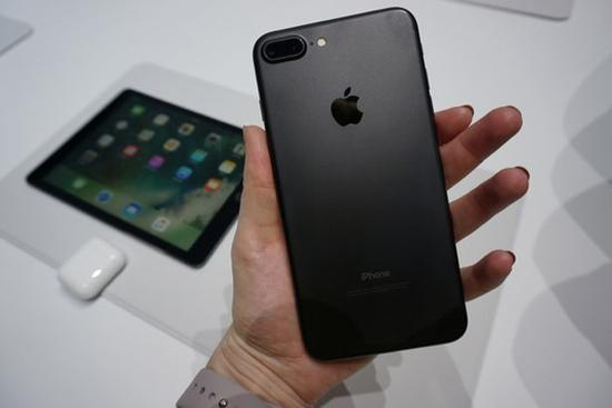 抢占市场!分析师上调iPhone Q4出货量