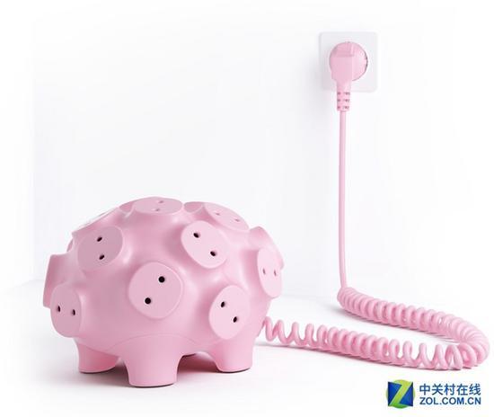 智能家居新设计 巴掌大的可爱小猪插座竟有17个插孔