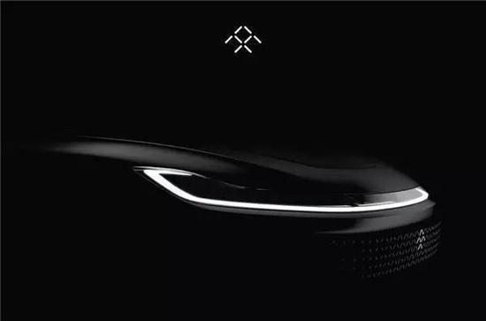 """贾跃亭称这款车为""""全球百公里加速新王者"""",并透露拥有""""更强扭矩"""",是个全新的物种。"""