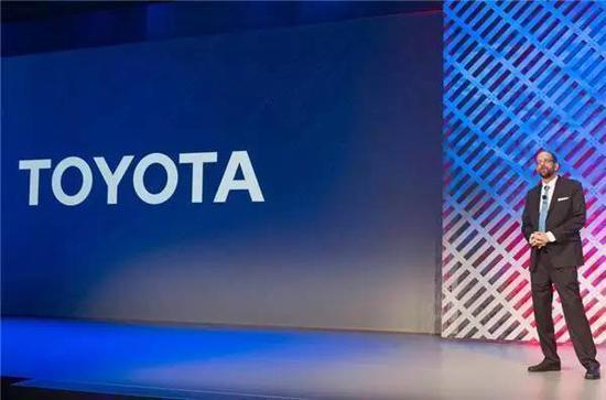 同时,丰田还将在展会上介绍他们设想的车联网技术和远程信息交互系统的新框架,让人们感受他们对于未来人车关系的新定义。