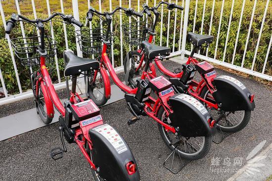 展馆外还有租赁的公共自行车,当然方便程度肯定是不能和摩拜单车比的