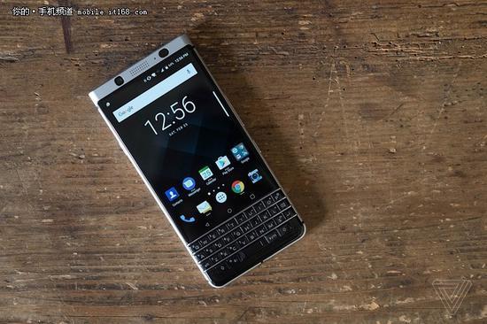 ▲黑莓KeyOne手机已经由 TCL 全盘操手。