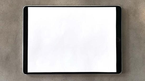 用a4纸+ipad pro演示窄边框效果