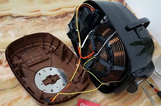 电饭煲的内部结构也不复杂