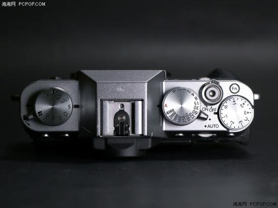 机顶新增Fn按键,视频拍摄模式挪至左侧拍摄模式转盘