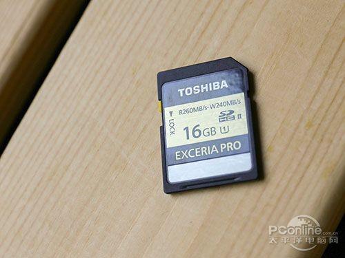 标称260M/s读取与240M/s写入速度的UHS-II标准SD存储卡