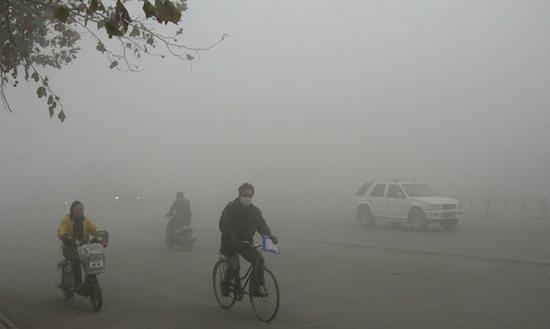 目前空气问题愈发严重,根据最近的研究结果预测,到2030年,东南亚的煤炭排放量将增加三倍。