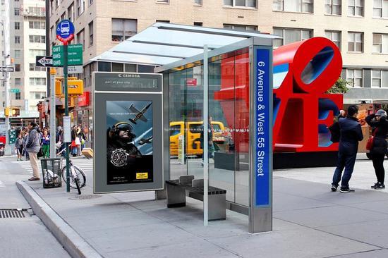 户外媒体巨头Cemusa通过公共设施广告投放盈利