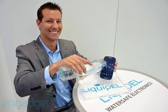 采用Liquipel防水技术的设备(图片引自Engadget)