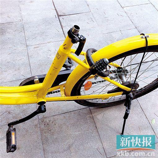 3月17日,西安市雁塔区鱼化寨,一公共区域停放的公共自行车车座不翼而飞。 (CFP)