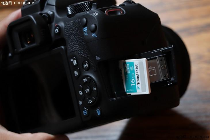 两款相机均为单卡槽设计