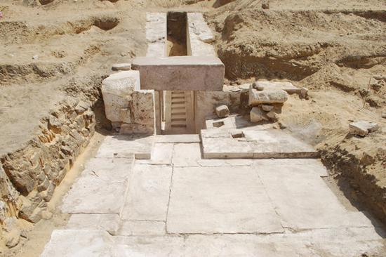 [转载]埃及发现距今3700年历史的金字塔