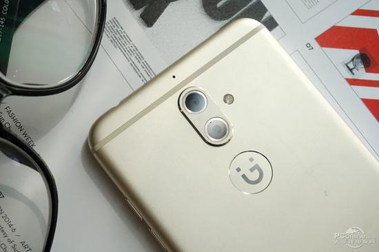 搭载后置双摄的金立S9