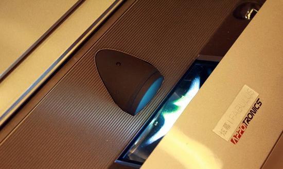 国产品牌光峰采用激光光源的超短焦投影机产品