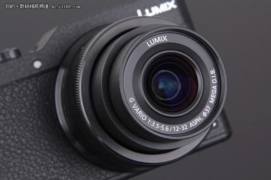 套机镜头为12-32饼干变焦镜头