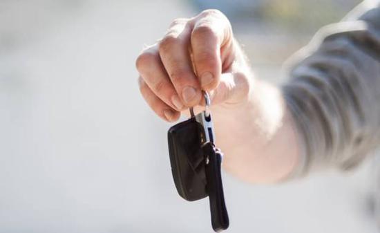 """""""无证驾驶的现象在所有行业都存在,为什么单加重我们的企业责任,要我们为用户行为买单?""""范永跃说。"""