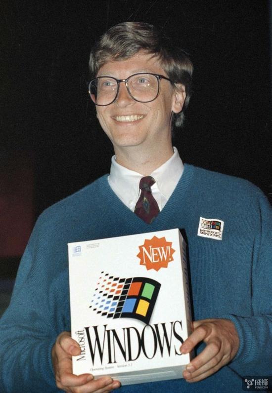 但 Windows 确实胜出了。80 年代晚期,Windows 在 PC 上的发展势头无人可挡。