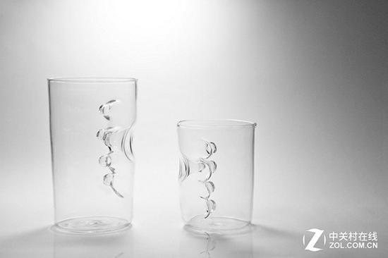 内置把手的新式玻璃杯你见过吗?