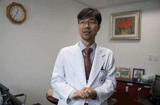 韩国心理健康国家中心的专家LeeTae-kyung